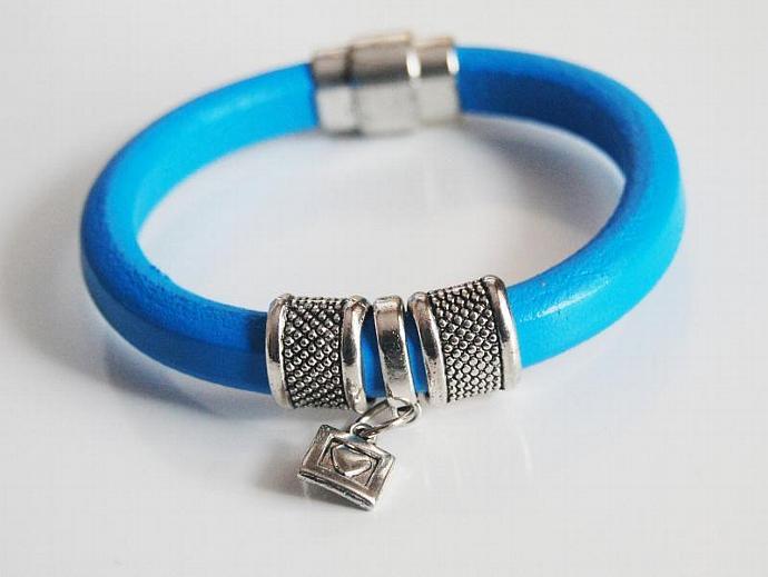 Turquoise Licorice Leather Bracelet-Bangle bracelet- charm Bracelet - Cuff
