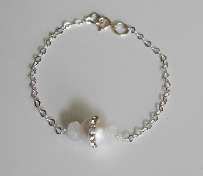 Wedding Jewelry - Fresh Water pearl And Moonstone Bracelet- June Birthstone