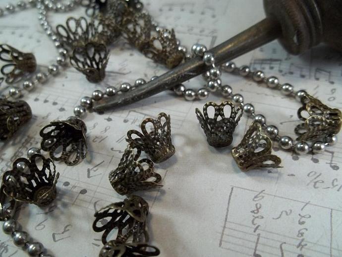 Bronze Filigree Bead Caps (Item #CAP046-B)