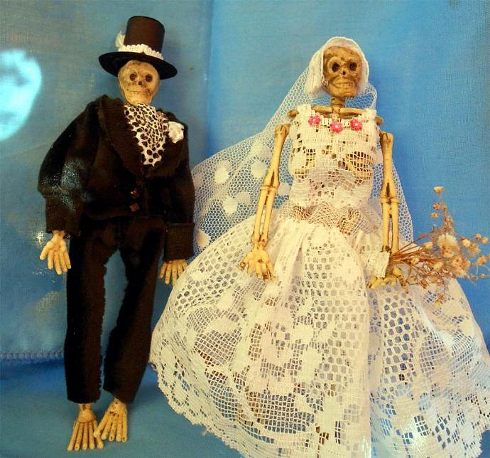 Skeleton Bride and Groom in One Inch Scale