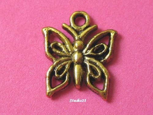 40 pcs of Tibetan Antique Gold Finish Butterfly Charm/Pendant