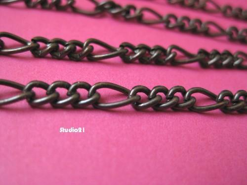 5 feet of Red Copper Finish 3-to-1 Figaro Chain