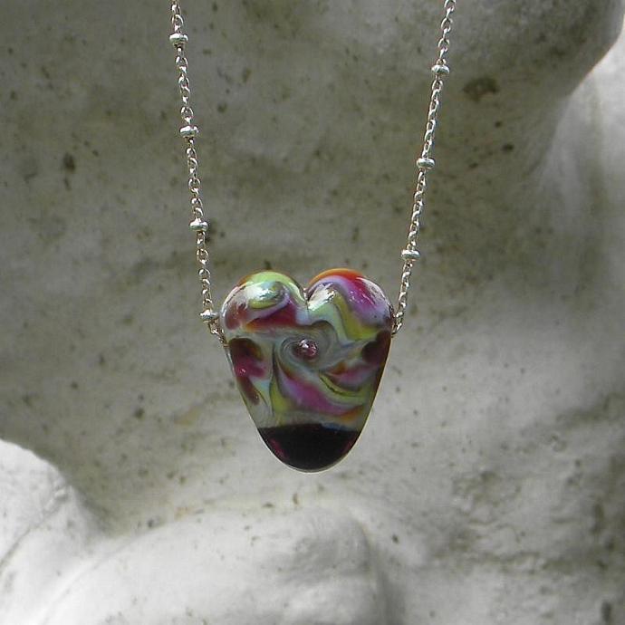 Heart lampwork bead pendant necklace