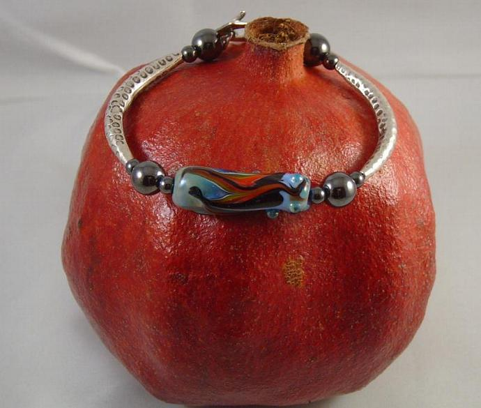 Raked and dotted bracelet