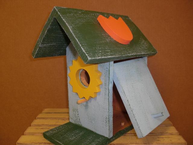 Birdhouse - Sunshine & Tulips