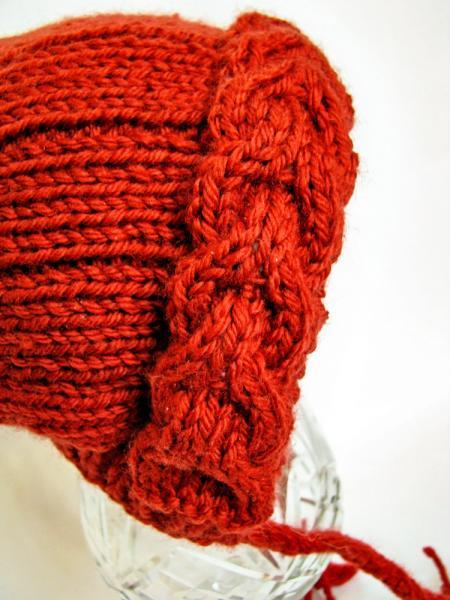 Cabled Knit Pixie Hatt