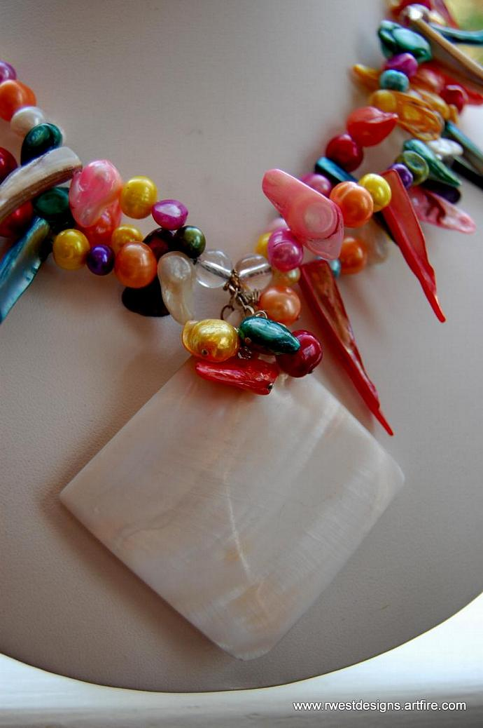 Dance of The Caribbean Dream Fresh Water Pearl 3-strand Necklace with a shell