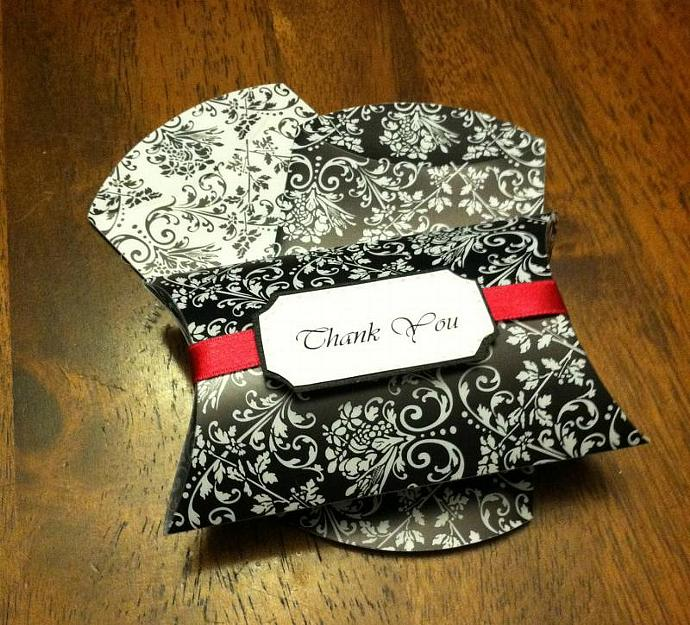 Damask Pillow Box