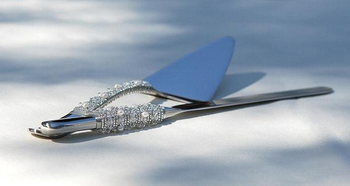 SWAROVSKI Cake Cutter Server And Knife Set Beaded Crystal And Pearl Elegant