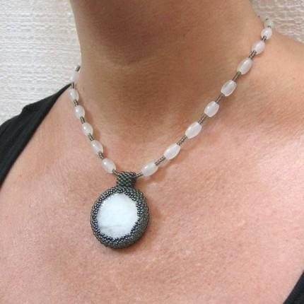 Pendant necklace snow quartz with grey beadwork