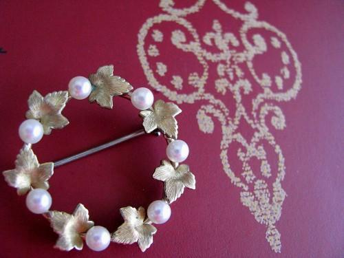 Bridal Wreath Brooch 1950 Elegant Golden Maple Leaves and Pearls