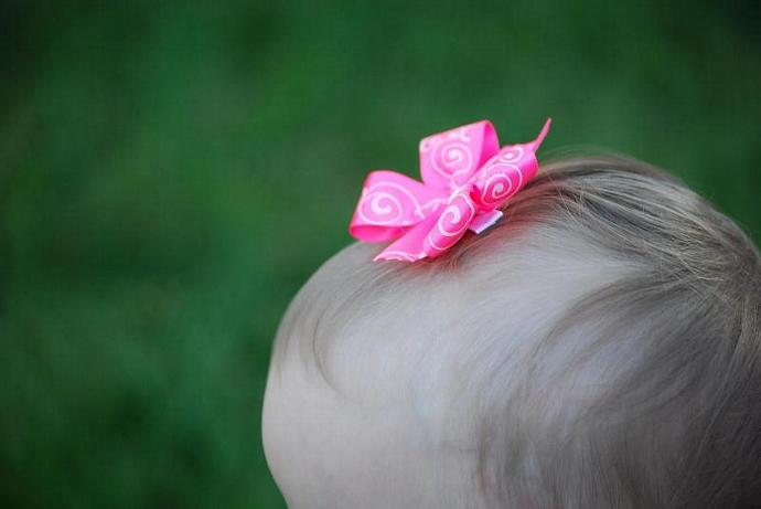 Pink Pin Wheel Bow
