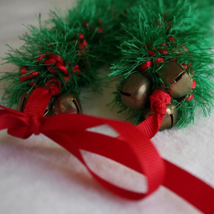 Christmas Crochet Hawaiian Lei