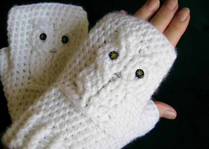 White Owl Crocheted Fingerless Gloves, Mitts, Mittens, Wristwarmers
