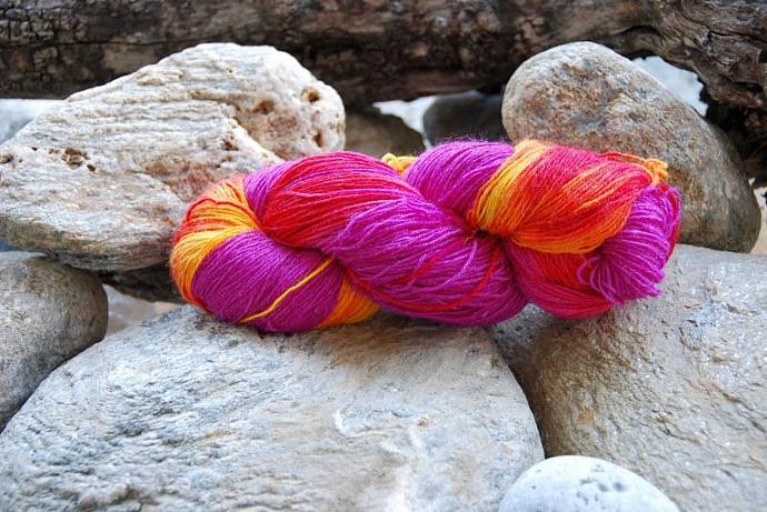 handdyed yarn - wool/silk/bamboo - 100g - fingering weight - Colour 18