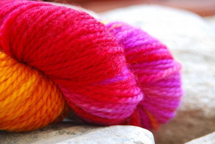Yarn, handdyed, 100% SW Bfl colour 18