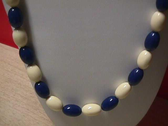 Vintage - White and Blue Oval Bead Necklace 1960s