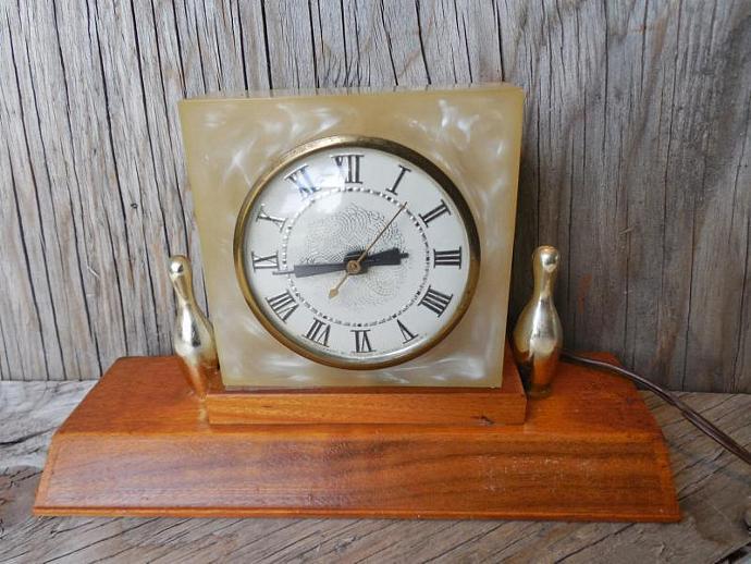 Vintage Mid Century Modern Bowling Trophy Clock