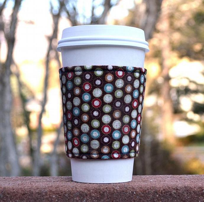 Coffee cozy / Coffee sleeve -- Gingerbread dots