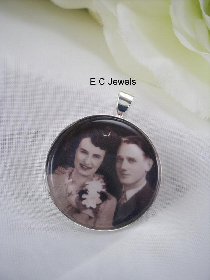 Set of 4 Custom Photo Bouquet Charms