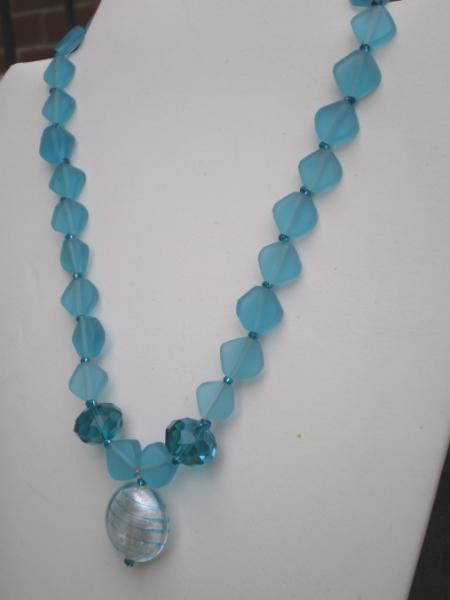 Resin blue diamond necklace set