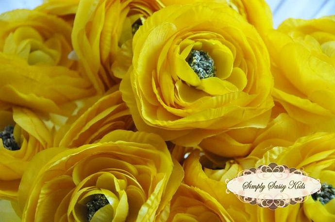 2 pcs Sunshine Yellow Color Silky Soft Ranunculus Artificial Flower Heads Color