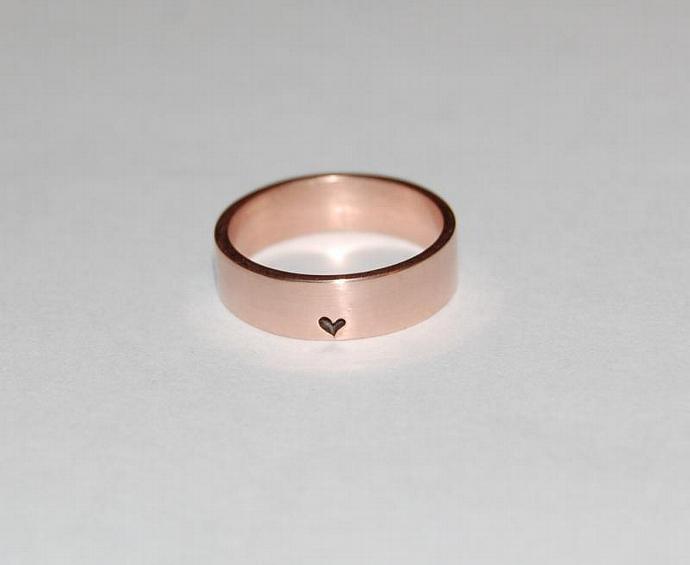 Little, little bit of Heart Rose Gold Ring