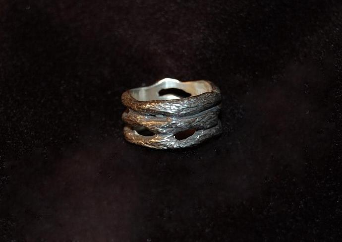 3 Vine Ring