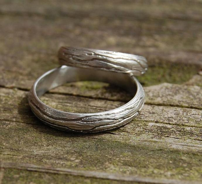 Tree Bark Gold Wedding band