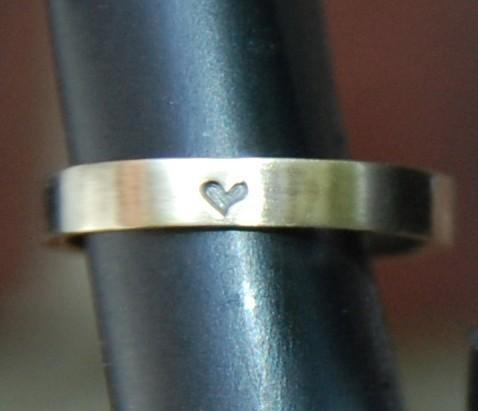 3mm Yellow Gold Heart Band