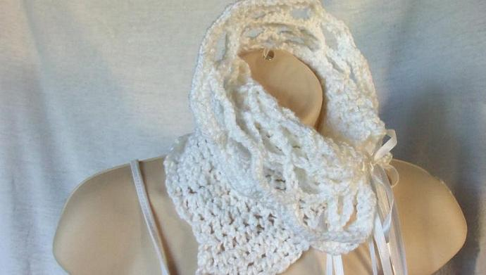Hat and  Cowl in Snow White