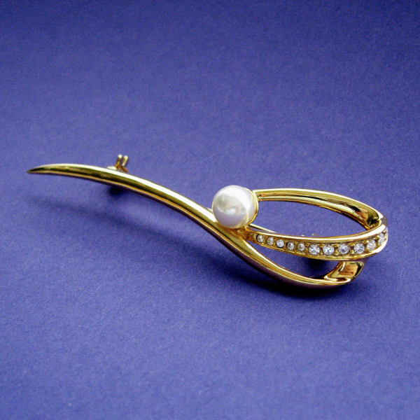 Gold Toned Pave Rhinestone Encrusted Swirl Faux Pearl Brooch Pin