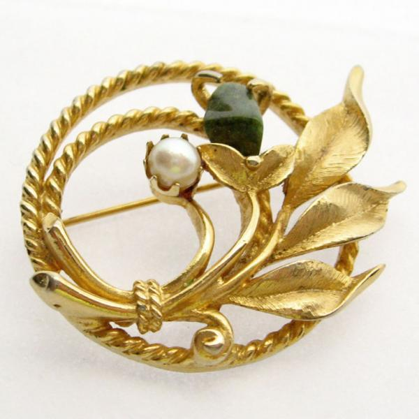 1960s Signed Sarah Coventry Jade Garden Circle Pin Brooch with Pearl