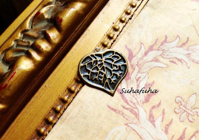 8 Antiqued Bronze Heart LEAF Filigree Findings - #F-25
