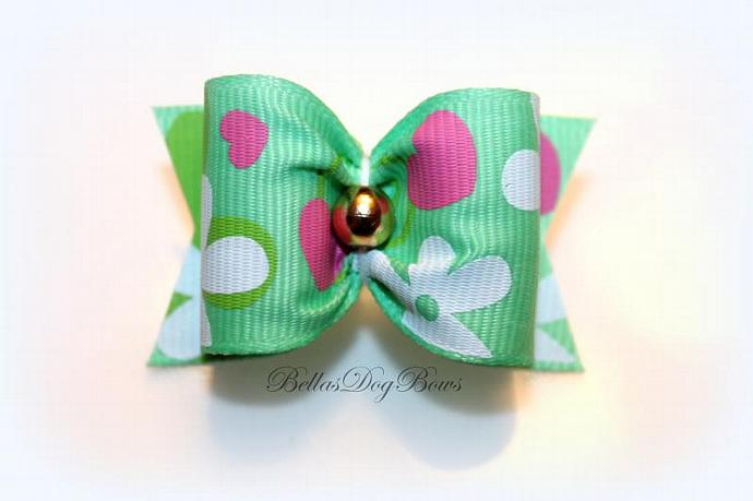 "1"" Valentines Day Bow. Green Grosgrain with Golden Bead"