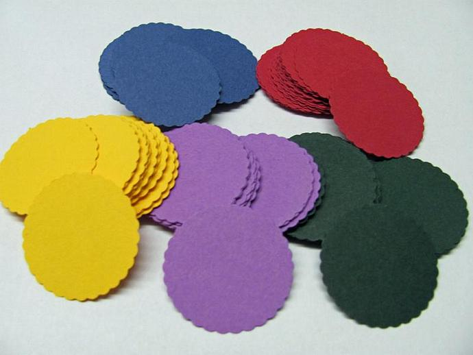 100 pcs. Assorted Hand Punch Scallop Circles