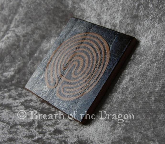 Labyrinth oak coaster