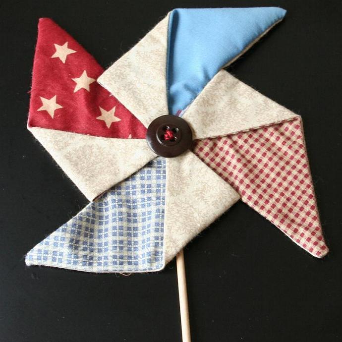 Red White & Blue Pinwheel Sticks