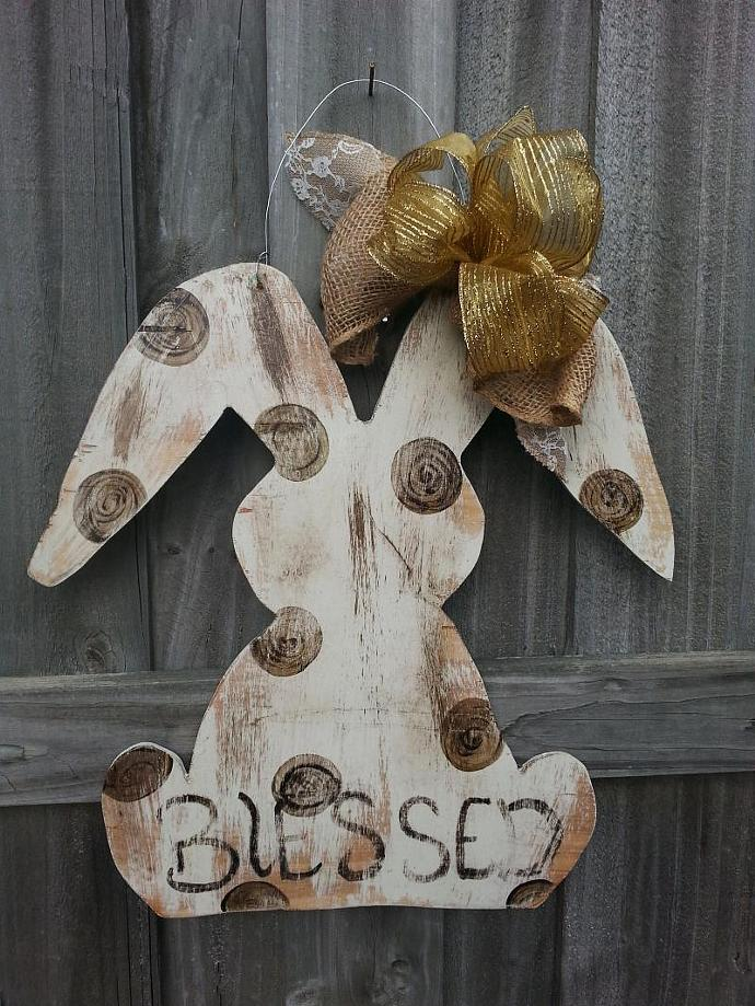 Distressed Easter Bunny with Chalk Paint