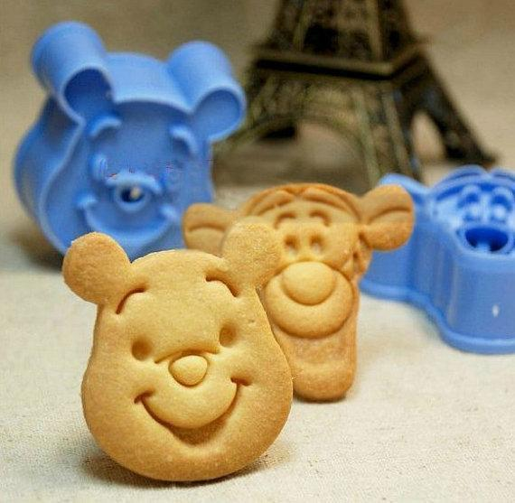 Winnie the Pooh & Tigger Fondant Toast Cookie Cutter Stencil Stamp Mold Press