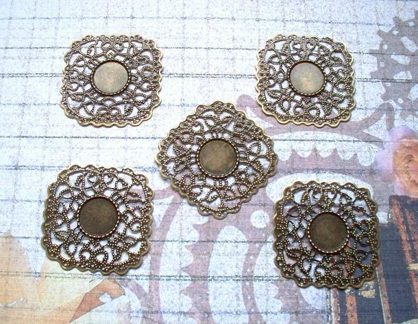 6 pcs. Antique Bronze Filigree 4.3x4.3cm. Item# FSQB-04