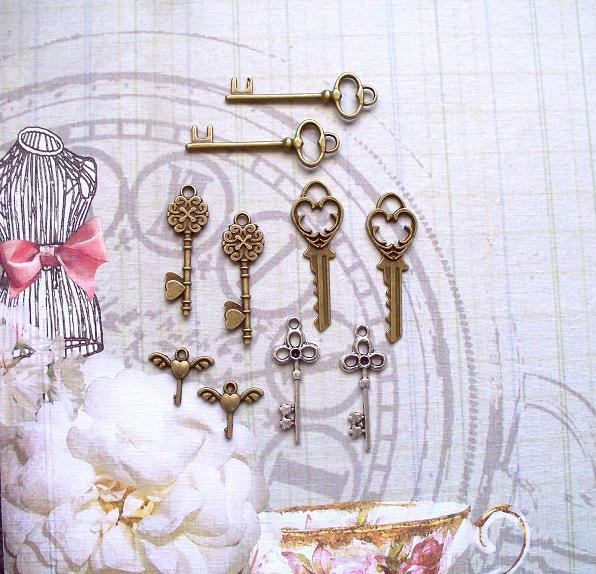 10 pcs. Metal Keys Charms Item# CK-01