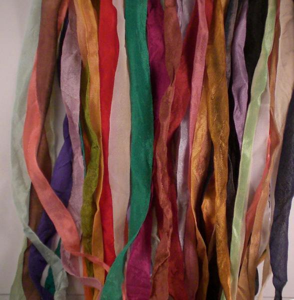 assorted 60 yards of seam binding crinkled reg or tea dyed 2 yards each c828