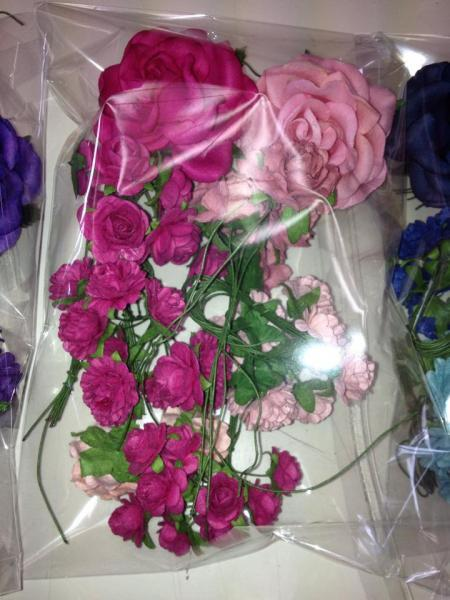 MIXED ROSES / FLOWERS pink