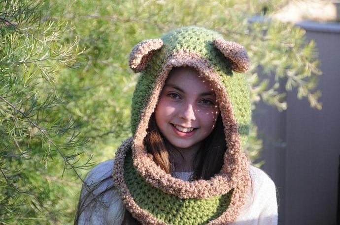 Snuggly Bear Hooded Cowl