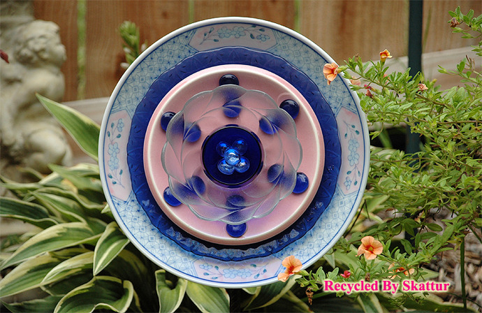 Glass Garden Flower Plate Pink and Blue / Handmade / Housewares / Outdoor / Lawn