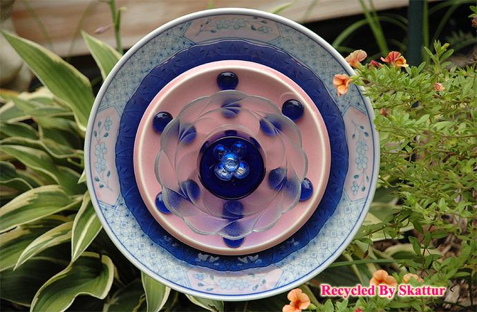 Glass Garden Flower Plate Pink and Blue / Handmade / Housewares / Outdoor / Lawn