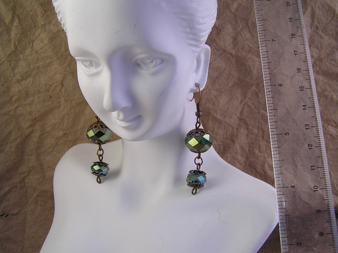 Parrot green glass earrings with filigreed copper