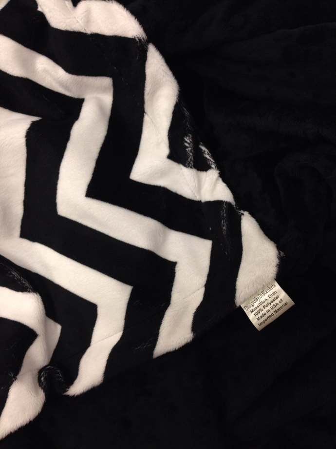 Black Chevron. Minky Toddler Blanket   Size 40 x 50 in