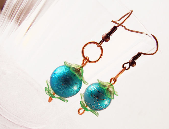 Blue Pearl earrings with flower beadcaps in a retro 80's style
